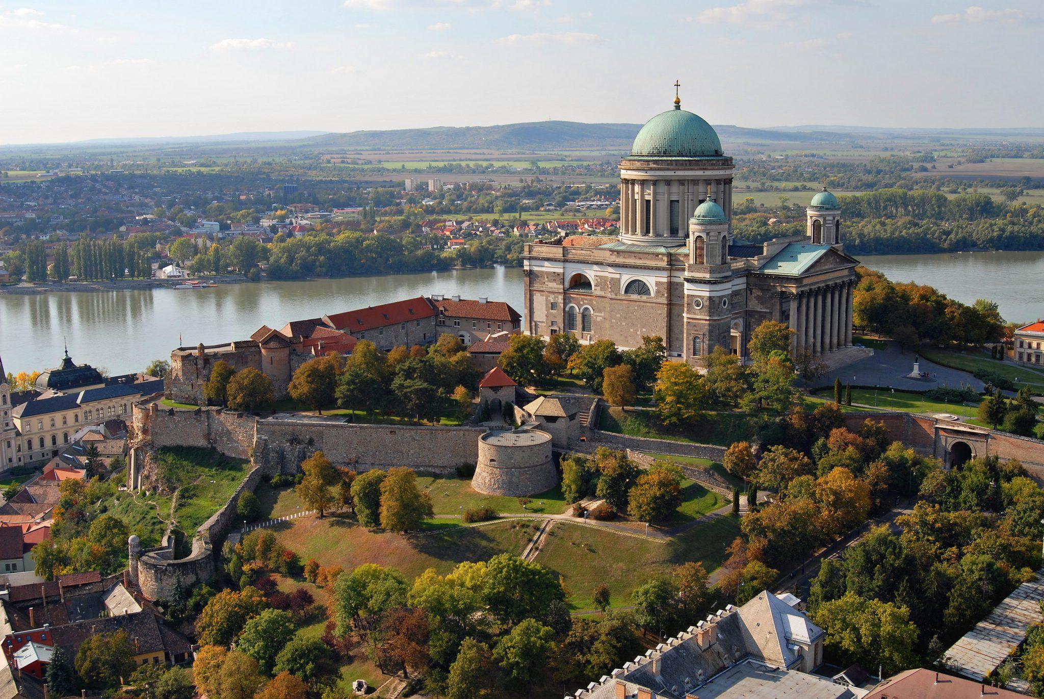 Budapest – Visegrádi vár – Esztergom sétarepülés útvonal ...