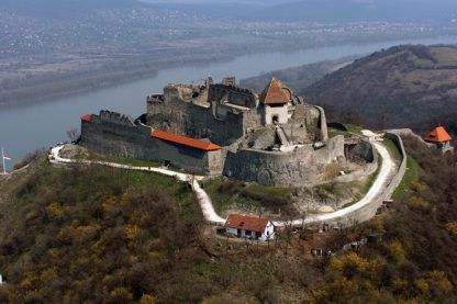Sétarepülés híres váraink felett